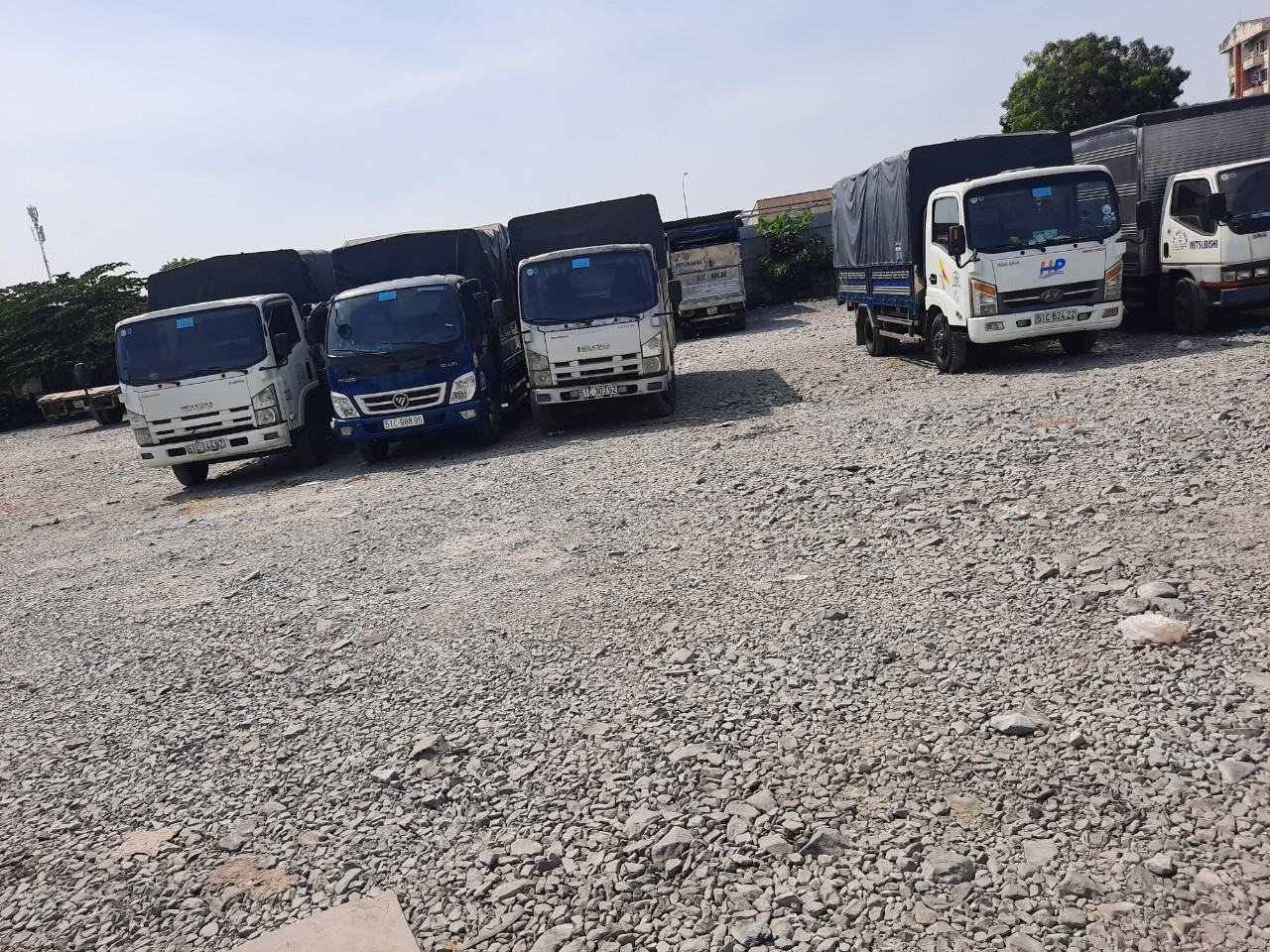 Dịch vụ cho thuê xe tải huyện hóc môn
