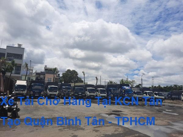 Xe Tải Chở Hàng Tại KCN Tân Tạo Quận Bình Tân - TPHCM